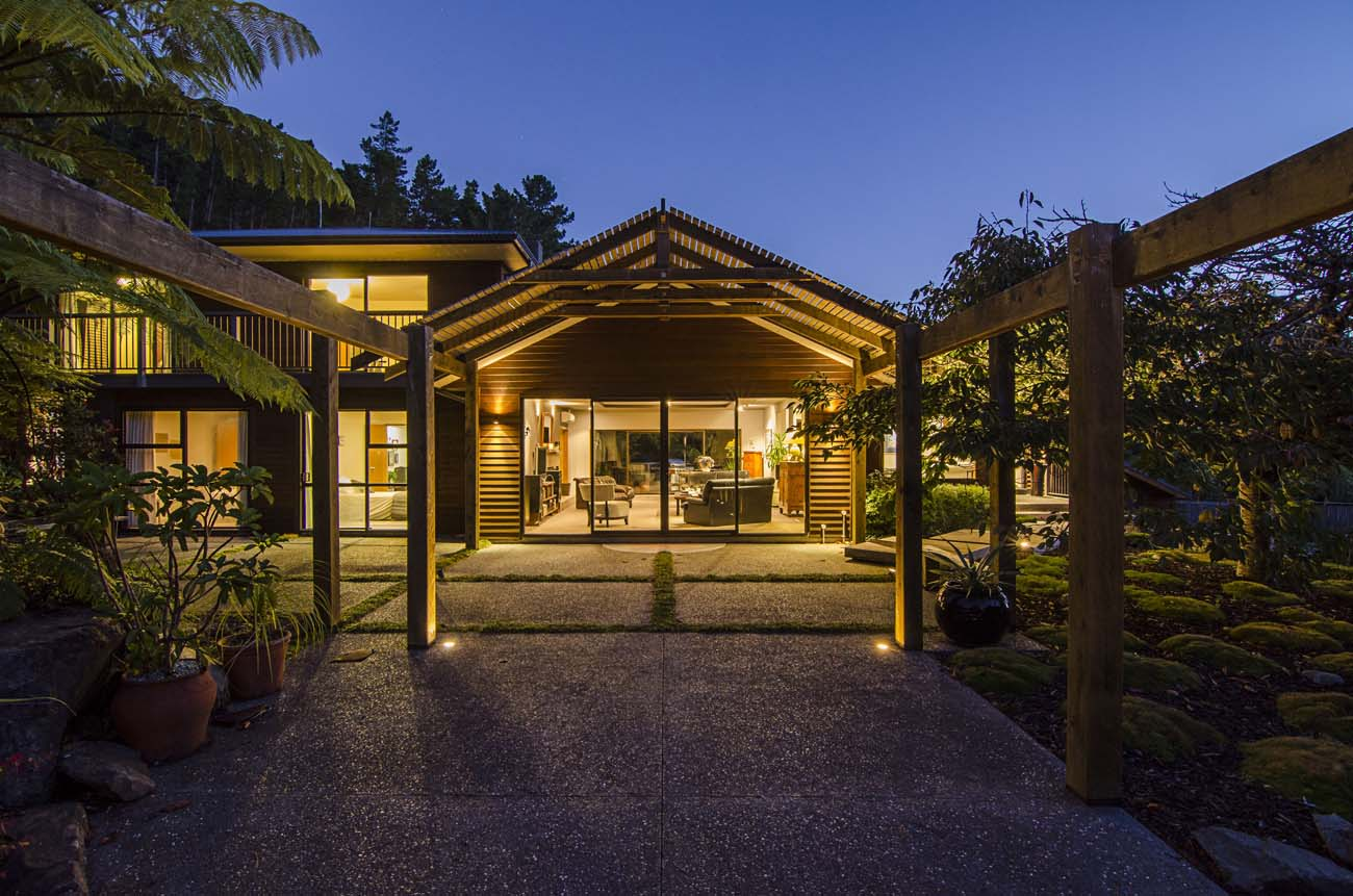 Wellington-NZ Photographer-Kevin-Hawkins Akatarawa House Exterior Photo